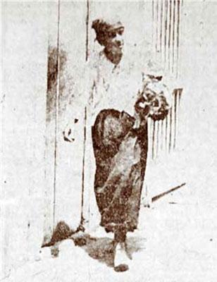 Luz Gay deambulando por La Habana en 1920.