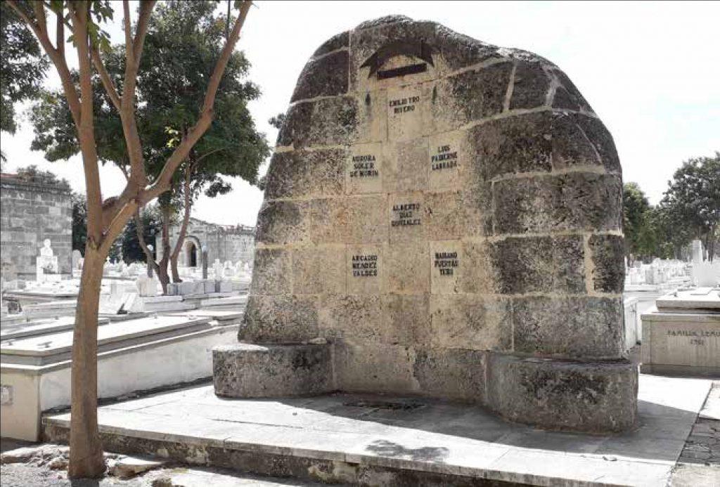 Panteón de las víctimas de la Masacre de Orfila en la Necrópolis Cristóbal Colón de La Habana