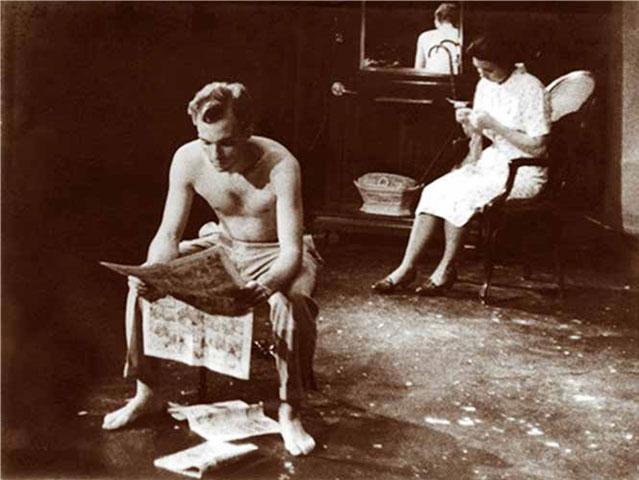 Puesta en escena en 1961 de la obra de Abelardo Estorino El robo del cochino, con Pedro Rentería y Pilín Vallejo